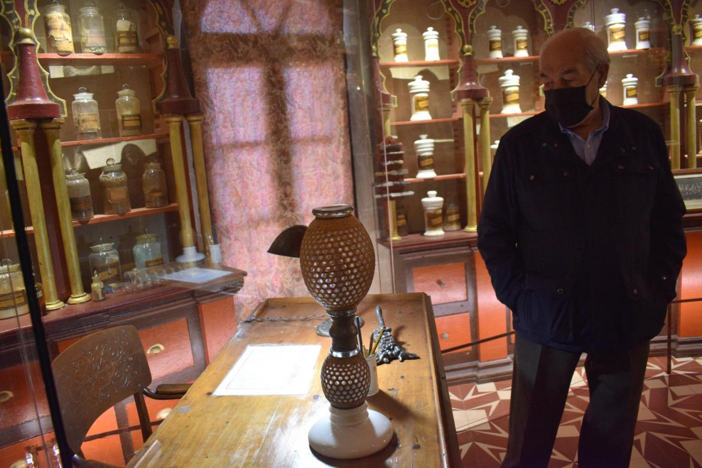 La antigua botica de Briones se muda a la ermita 1