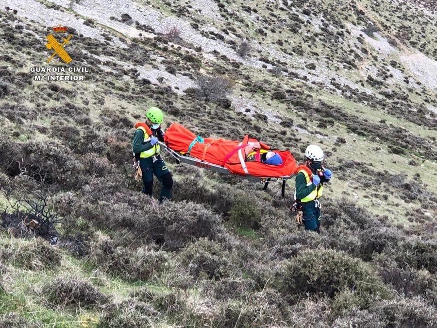 La Guardia Civil rescata a un pastor que sufrió un infarto en una zona de difícil acceso en Brieva de Cameros 1