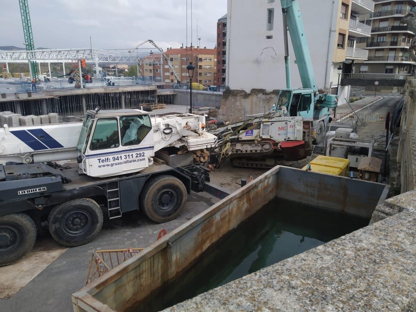 Aparatoso accidente en las obras del nuevo Mercadona en Haro 6