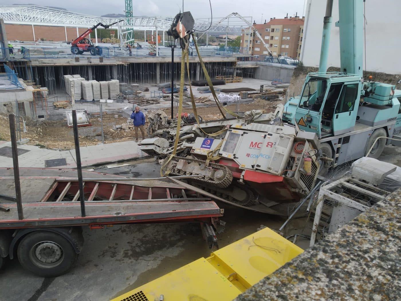 Aparatoso accidente en las obras del nuevo Mercadona en Haro 7
