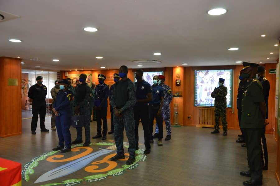 Policías locales de Haro reciben sus diplomas del Curso de Intervención Operativa de la Guardia Civil 6