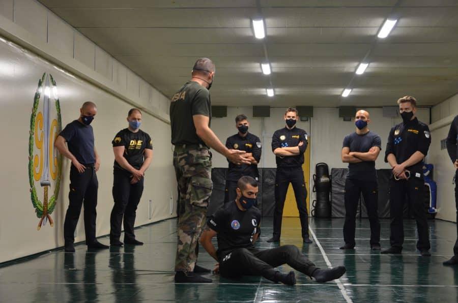 32 policías locales de La Rioja se adiestran con la Guardia Civil 3