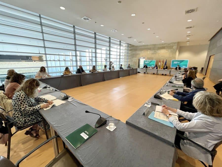 """Andreu quiere que La Rioja pase a ser """"un referente nacional en la erradicación de la violencia machista"""" 2"""