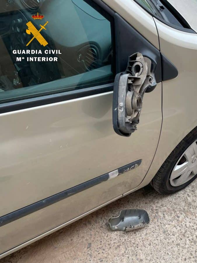 Investigados tres jóvenes por actos vandálicos en Albelda de Iregua 1