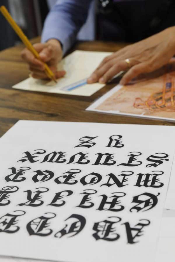 La Rioja se abre al público en FITUR: taller de escritura medieval y 'escape room' 2