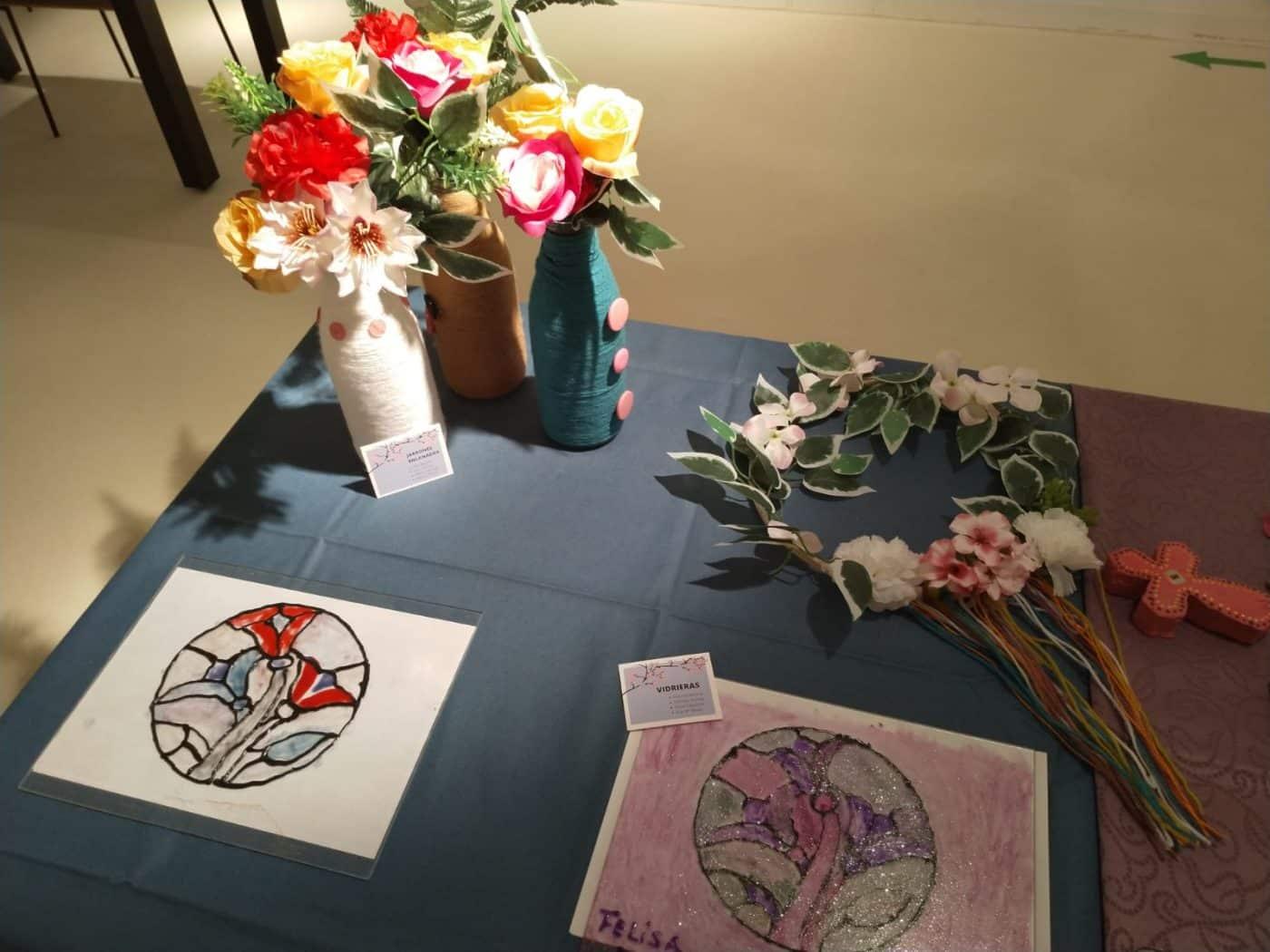 Arte como terapia: Las creaciones de los residentes del Hospital del Santo protagonizan la muestra 'ConFinArte' 1