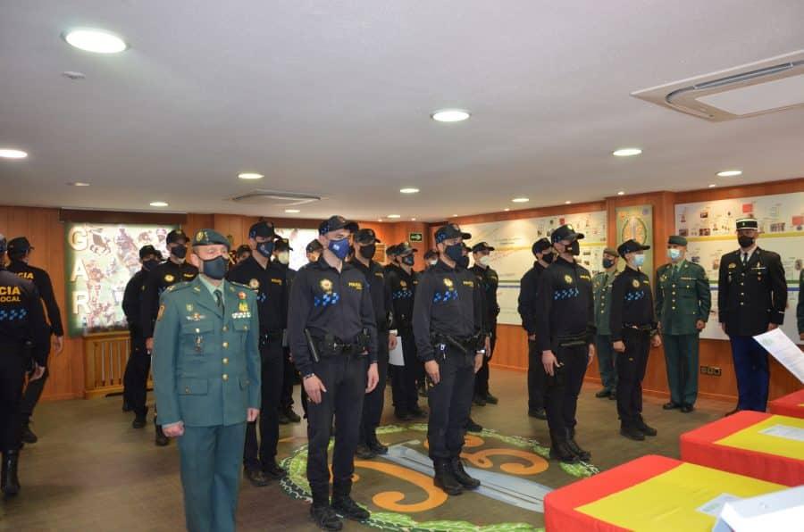 Policías locales de Haro reciben sus diplomas del Curso de Intervención Operativa de la Guardia Civil 3