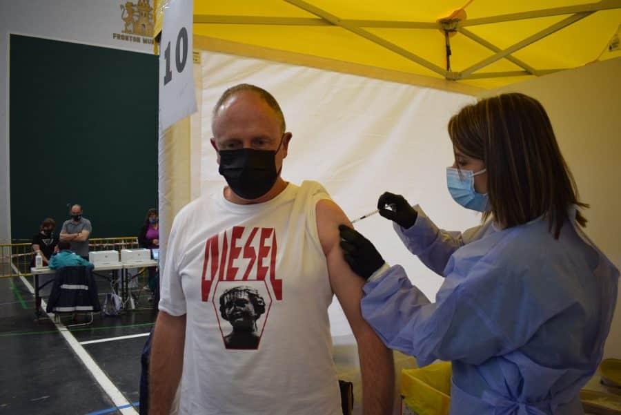Más de 1.300 personas de 55 a 59 años reciben en Haro la vacuna contra la COVID 5