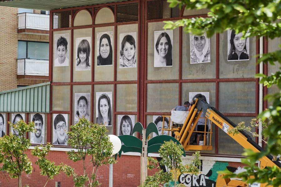 La Escuela Pública de Labastida invade la localidad con una galería de fotografías al aire libre 14