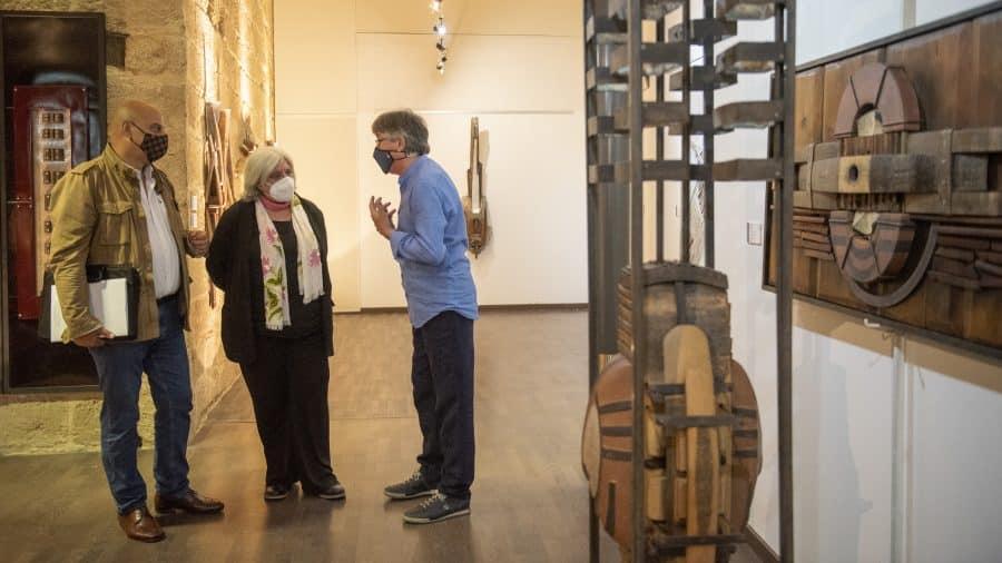 FOTOS: El Torreón de Haro inaugura 'De grana y roble', del artista riojano Óscar Cenzano 1
