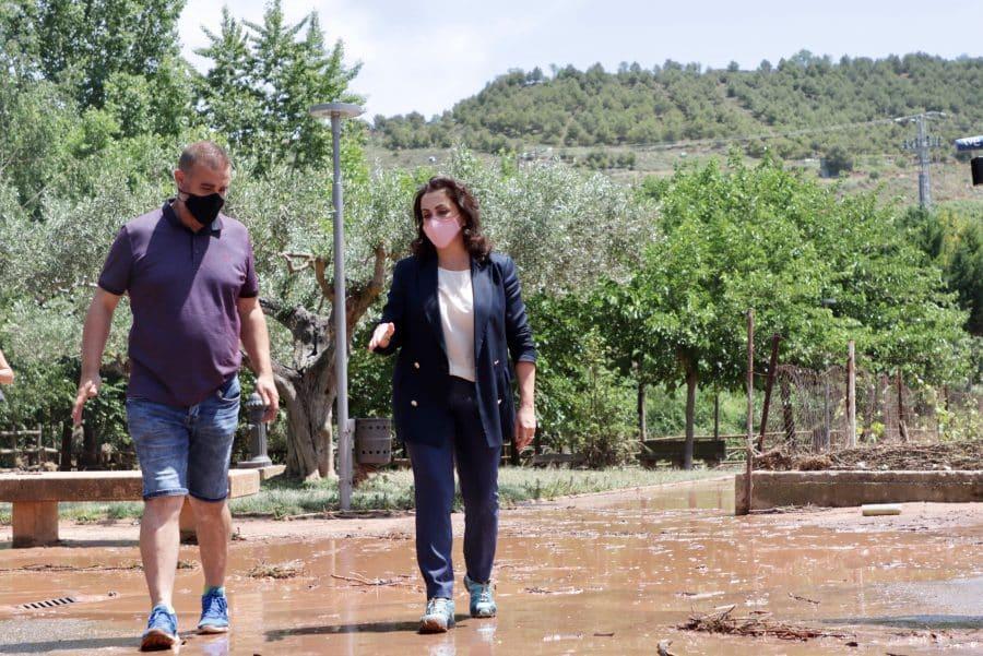 Andreu conoce de primera mano los daños ocasionados por el temporal en Fuenmayor 1
