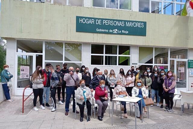 El IES Rey Don García impulsa un proyecto para poner en valor las vivencias de los mayores de Nájera 3