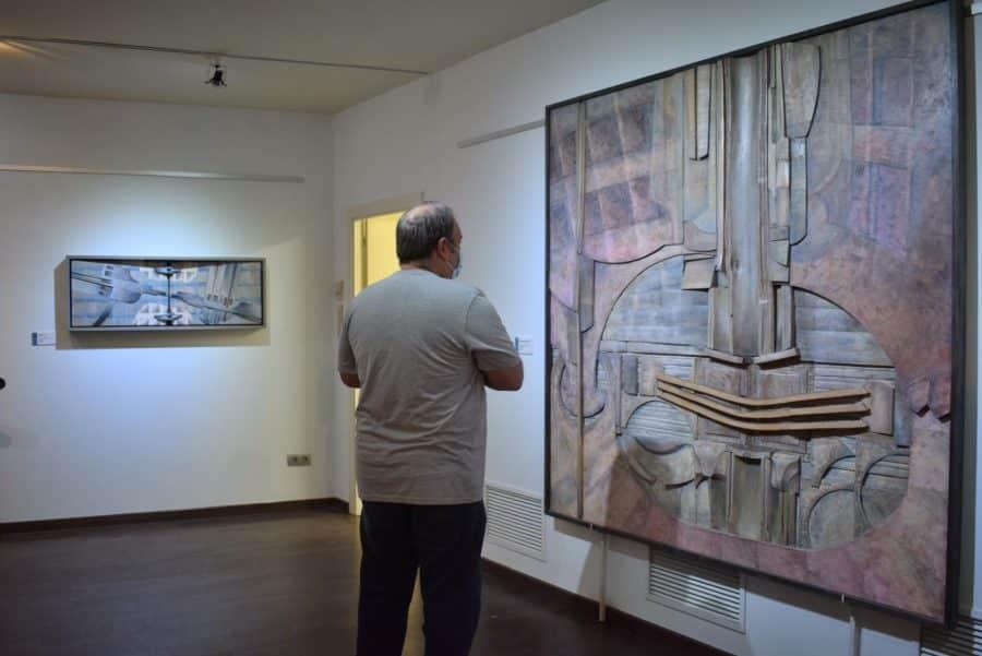 FOTOS: El Torreón de Haro inaugura 'De grana y roble', del artista riojano Óscar Cenzano 21