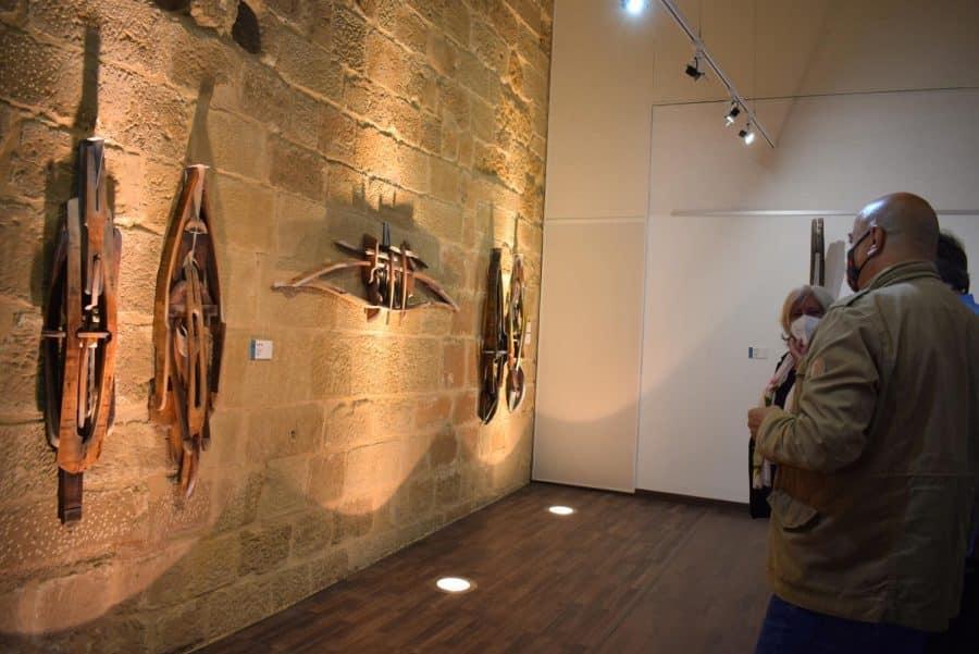 FOTOS: El Torreón de Haro inaugura 'De grana y roble', del artista riojano Óscar Cenzano 23