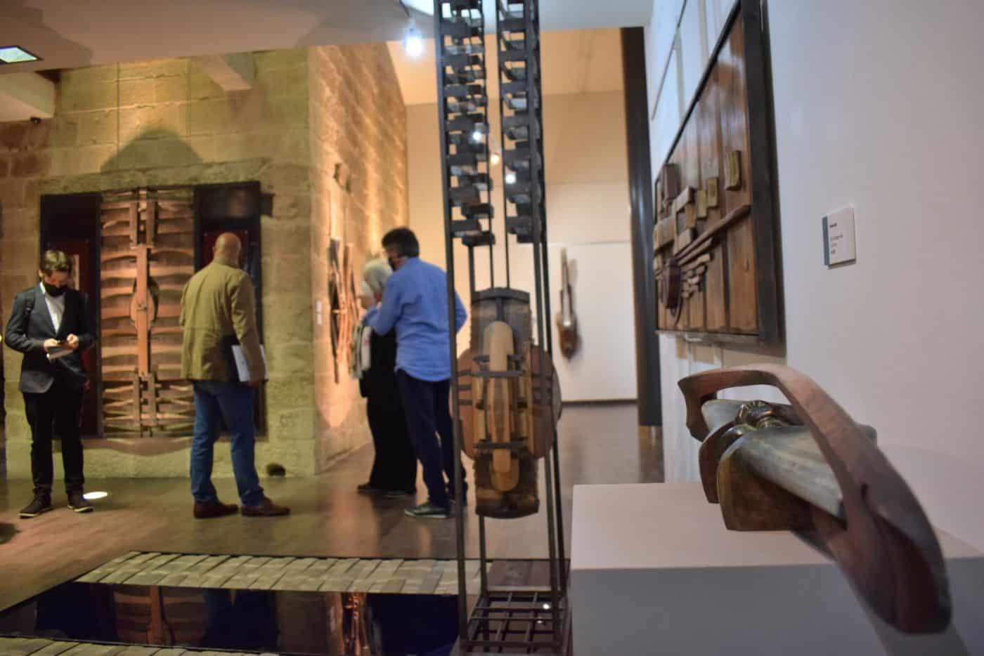 FOTOS: El Torreón de Haro inaugura 'De grana y roble', del artista riojano Óscar Cenzano 9