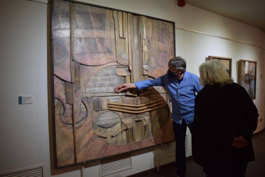 FOTOS: El Torreón de Haro inaugura 'De grana y roble', del artista riojano Óscar Cenzano 6