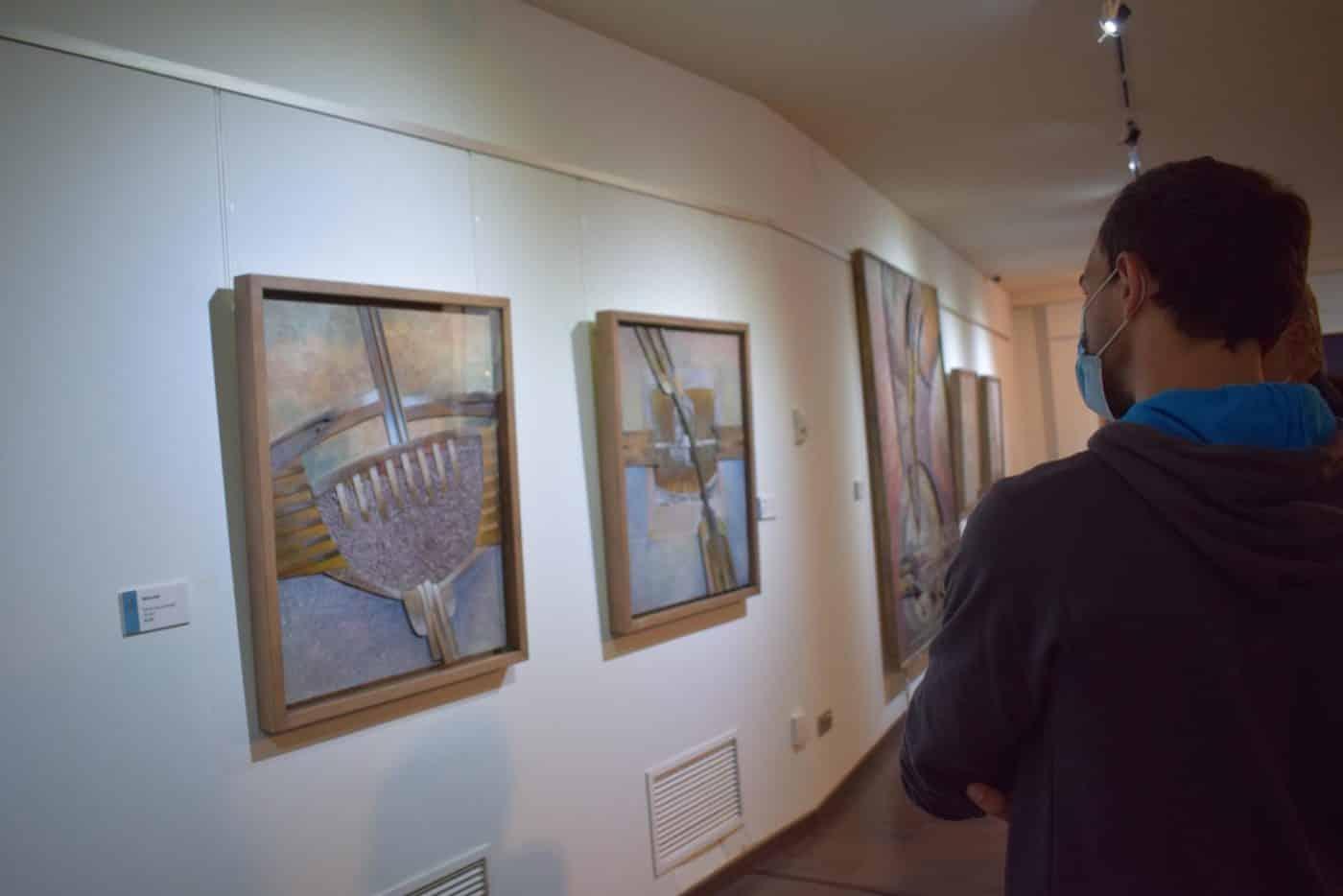 FOTOS: El Torreón de Haro inaugura 'De grana y roble', del artista riojano Óscar Cenzano 8
