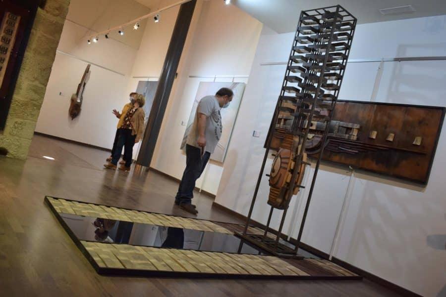 FOTOS: El Torreón de Haro inaugura 'De grana y roble', del artista riojano Óscar Cenzano 16