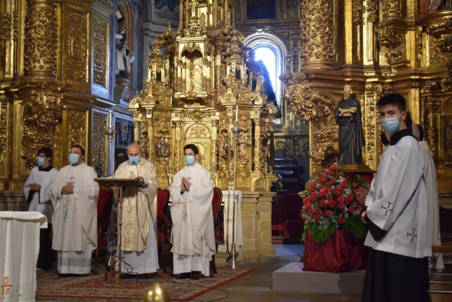 Haro celebra San Felices en la intimidad de la parroquia 45