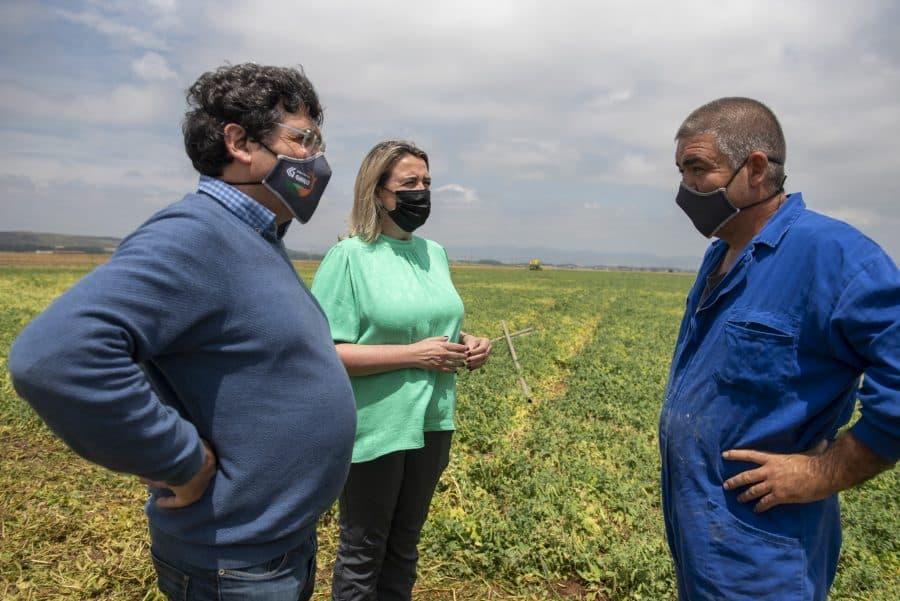 Hita conoce de primera mano los daños por las tormentas en los cultivos de Santo Domingo 11
