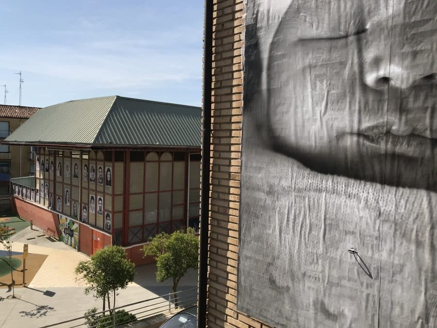 La Escuela Pública de Labastida invade la localidad con una galería de fotografías al aire libre 6