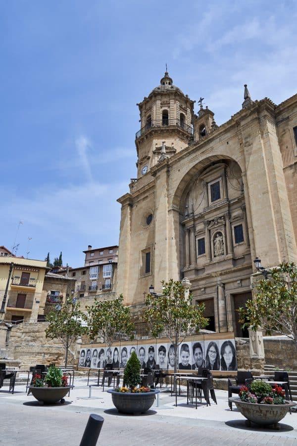 La Escuela Pública de Labastida invade la localidad con una galería de fotografías al aire libre 4