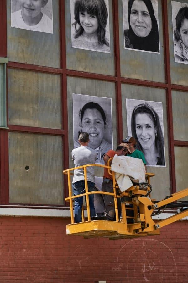 La Escuela Pública de Labastida invade la localidad con una galería de fotografías al aire libre 2