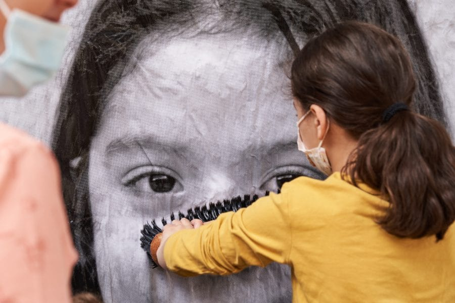 La Escuela Pública de Labastida invade la localidad con una galería de fotografías al aire libre 9