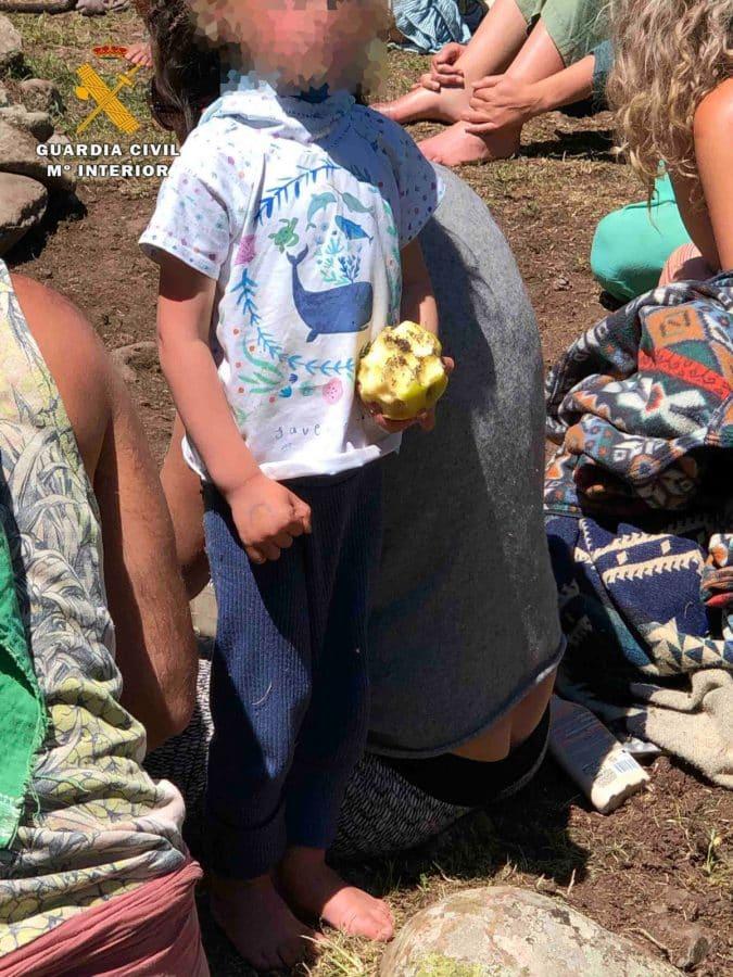 La Guardia Civil levanta 76 denuncias a los 'hipppies' acampados en el valle del Portilla 2