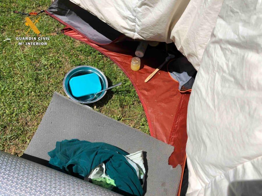 La Guardia Civil levanta 76 denuncias a los 'hipppies' acampados en el valle del Portilla 10