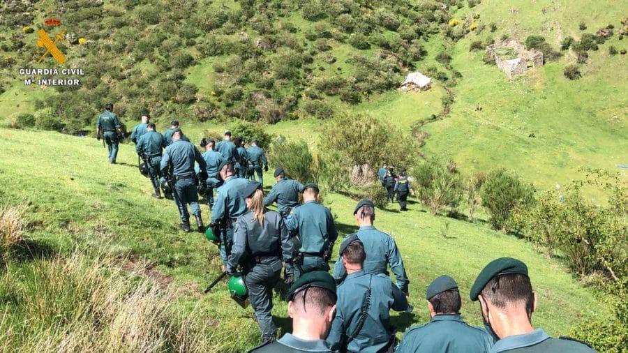 La Guardia Civil levanta 76 denuncias a los 'hipppies' acampados en el valle del Portilla 5