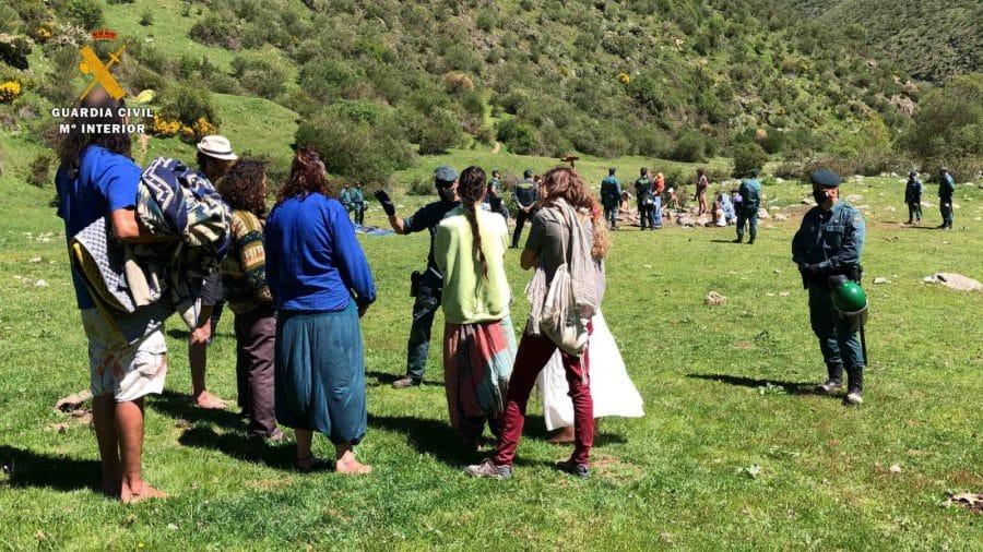 La Guardia Civil levanta 76 denuncias a los 'hipppies' acampados en el valle del Portilla 4