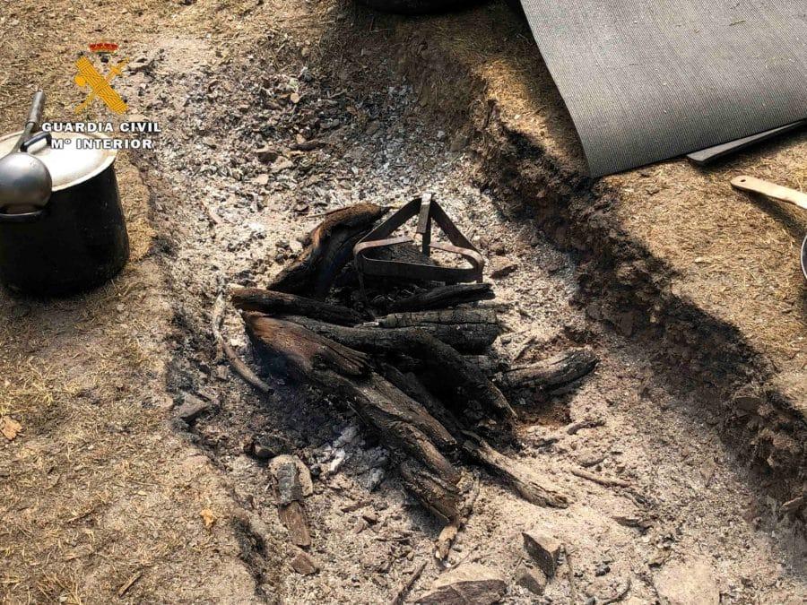 La Guardia Civil levanta 76 denuncias a los 'hipppies' acampados en el valle del Portilla 14