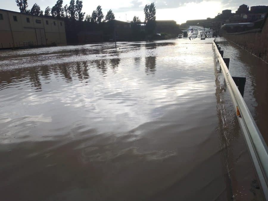 VÍDEO: La N-232 en Briones, otra vez cortada por las lluvias 1