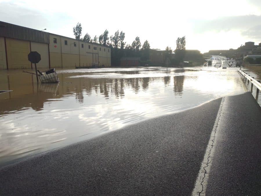 VÍDEO: La N-232 en Briones, otra vez cortada por las lluvias 7