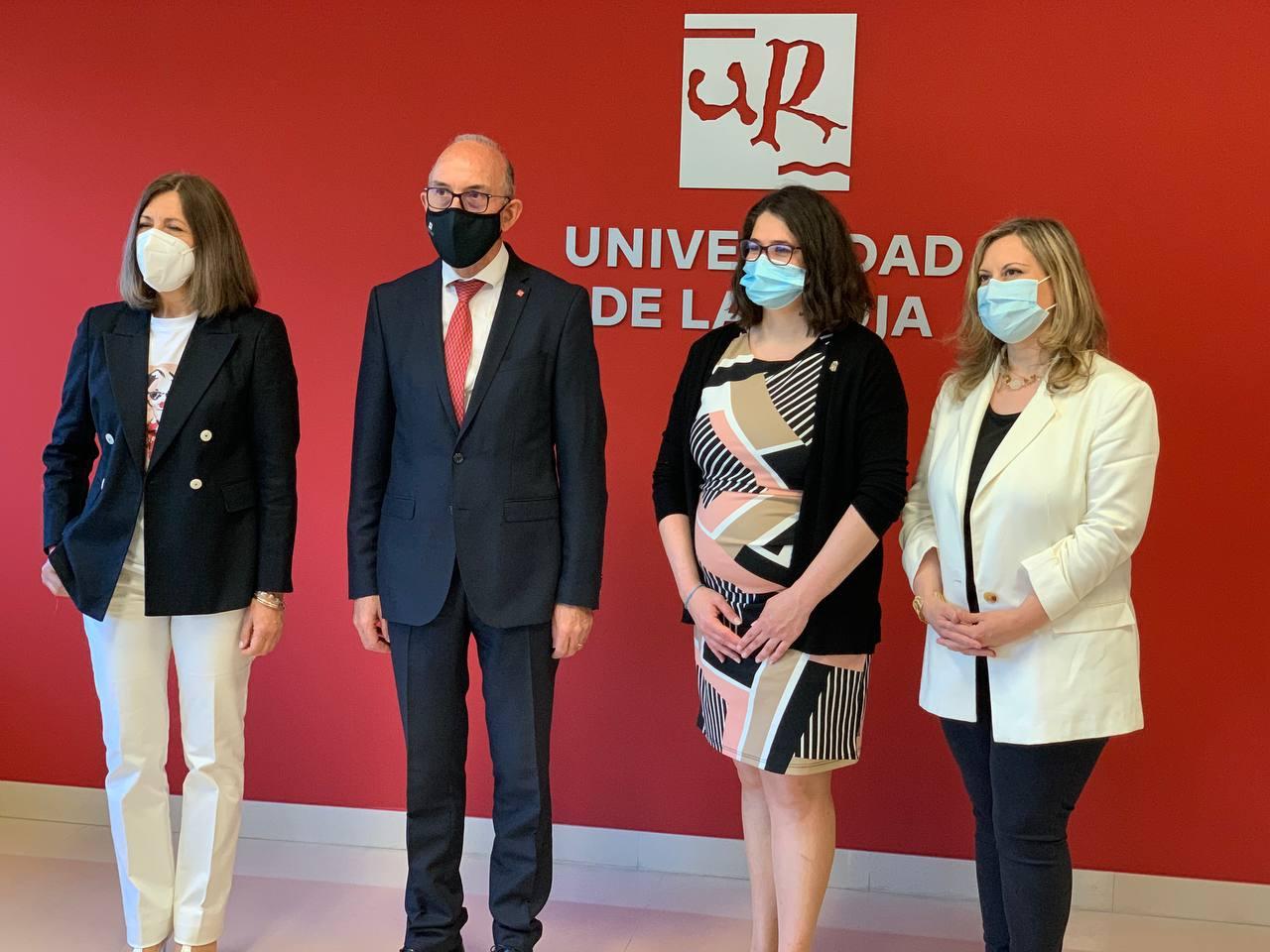 La Rioja y la UR firman un convenio para fomentar la igualdad entre hombres y mujeres 1