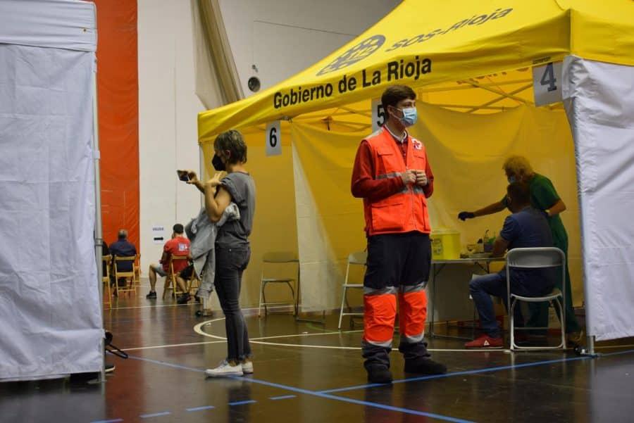 Unos 1.400 riojanos reciben la monodosis de Janssen en Haro 5
