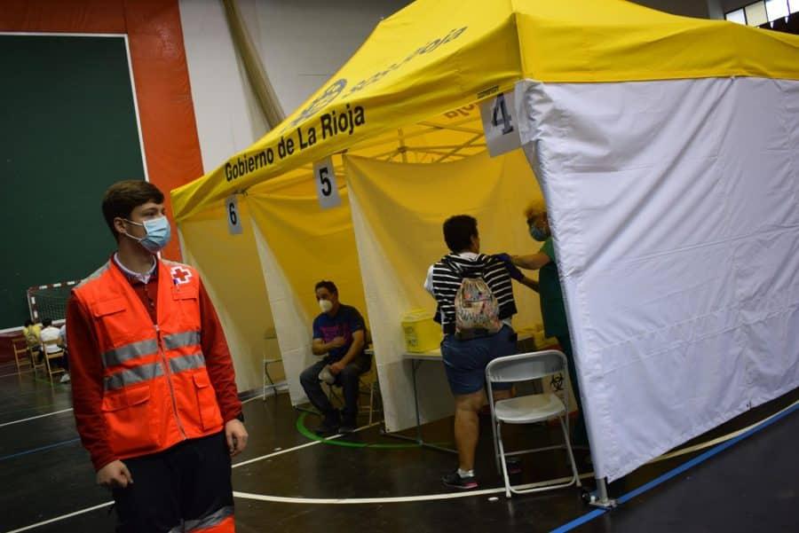 Unos 1.400 riojanos reciben la monodosis de Janssen en Haro 2