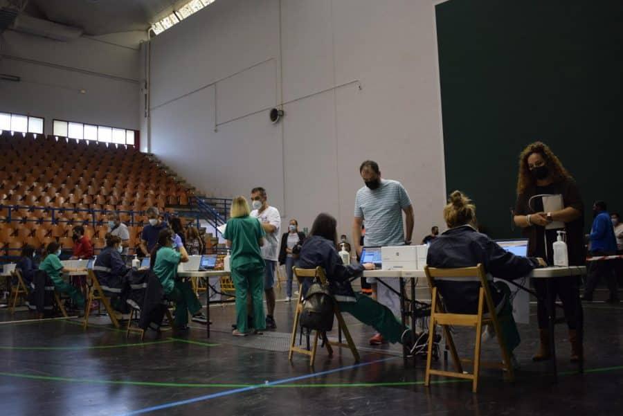 Unos 1.400 riojanos reciben la monodosis de Janssen en Haro 11