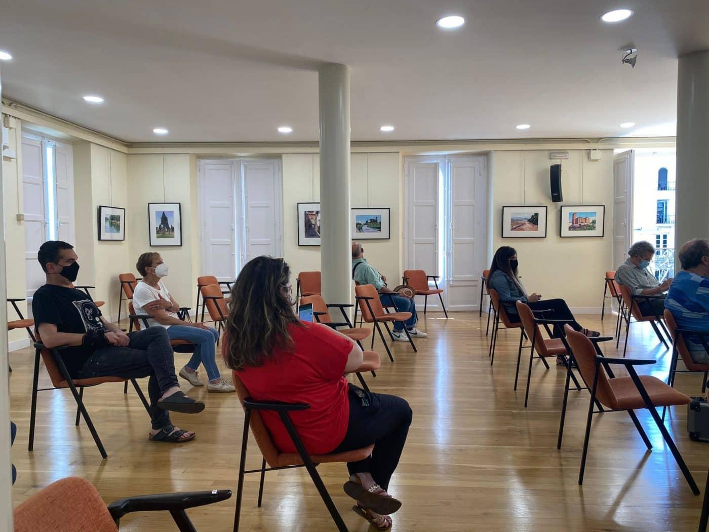 Uríszar expone en el Ateneo Riojano su visión del Camino de Santiago 1