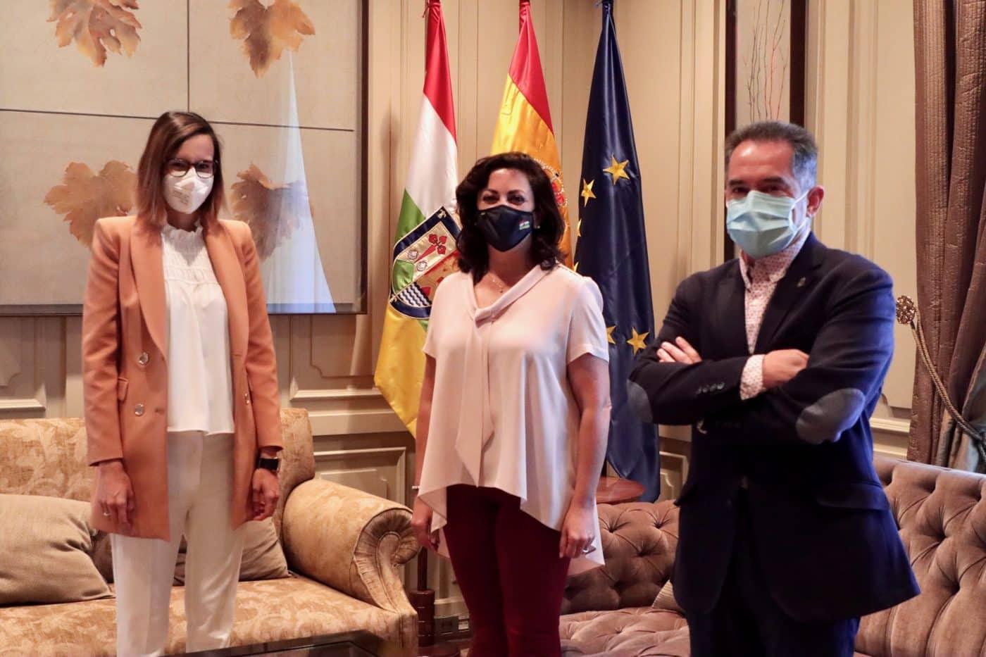 Andreu recibe a Laura García, fisioterapeuta de la UDL que reanimó a un futbolista en parada cardiorrespiratoria 2