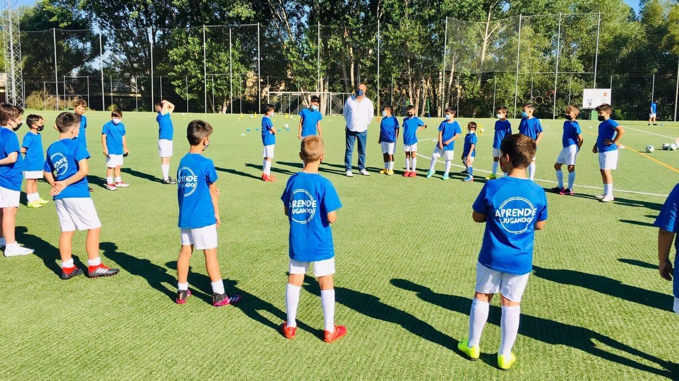 Cerca de 80 niños disfrutan en Haro del campus 'Aprende Jugando' del Haro Sport Club 1