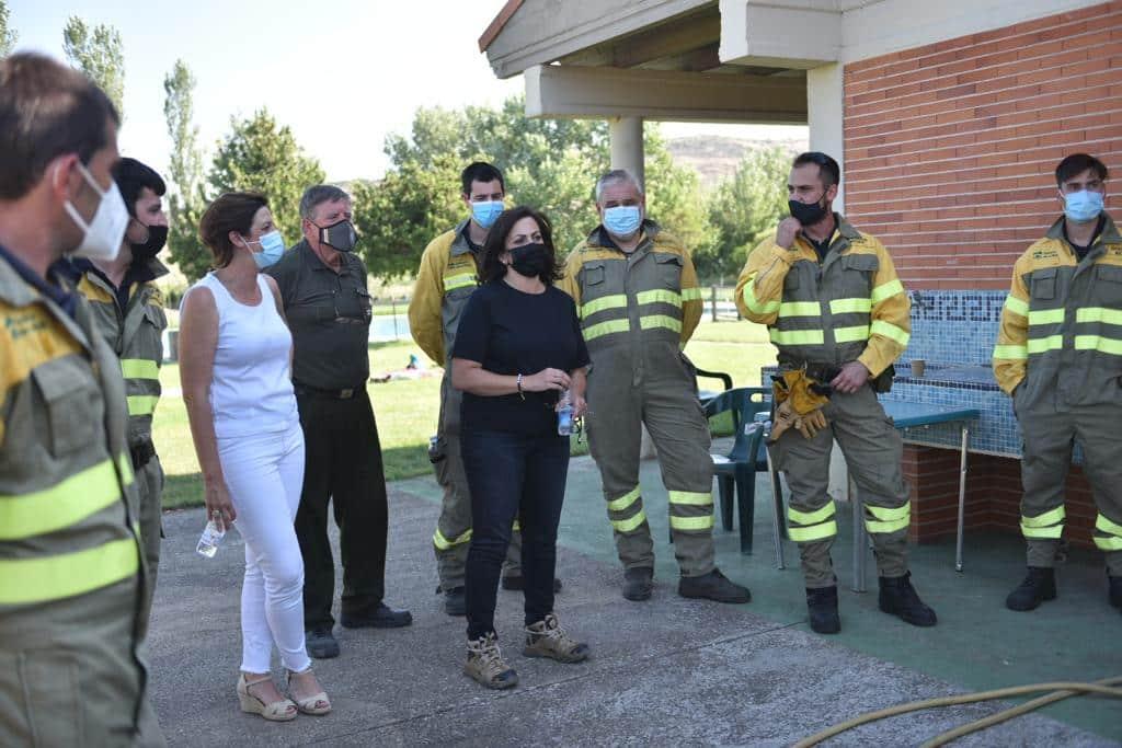 Casi 140 profesionales siguen con las labores de extinción del incendio en el monte de Yerga 6