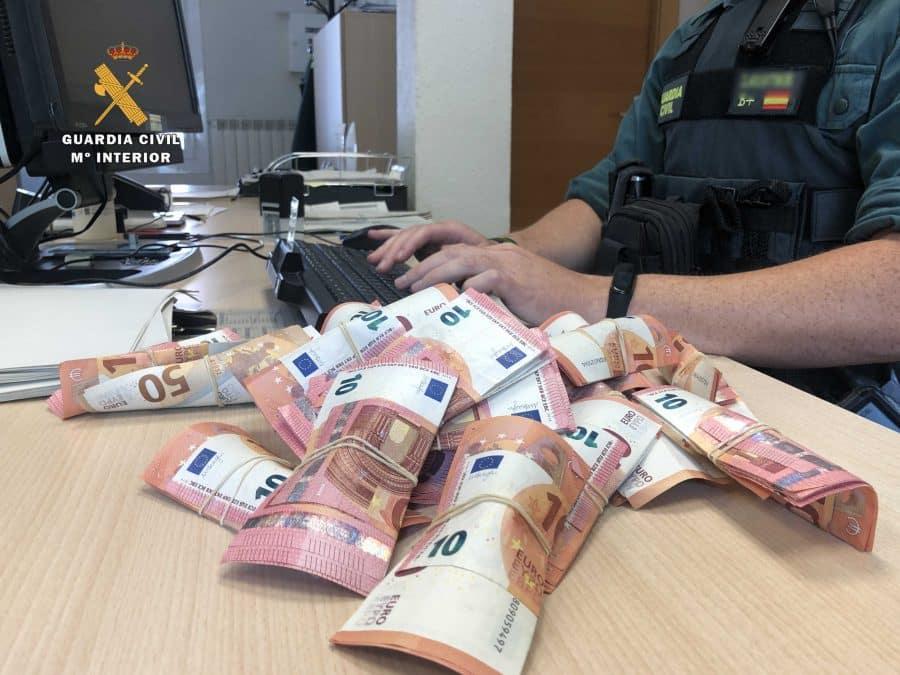 Interceptan en La Rioja a los autores del robo en una gasolinera de Cáceres 3