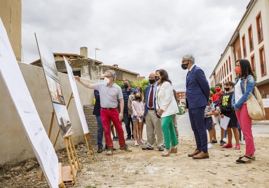 Casalarreina coloca la primera piedra de su futuro colegio que estará listo en 2023 5