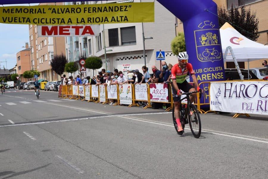 David Busto vence en Haro en el regreso del Memorial Álvaro Fernández 43
