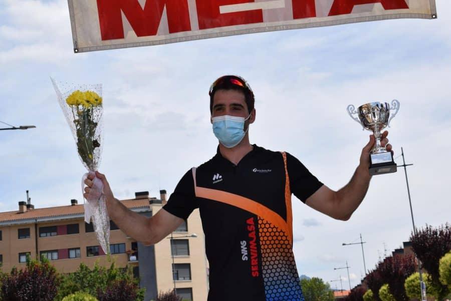 David Busto vence en Haro en el regreso del Memorial Álvaro Fernández 6