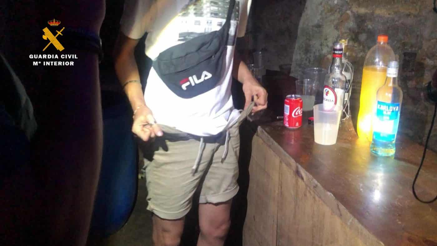 Desalojado un local en Fuenmayor que se anunciaba como discoteca en internet 1