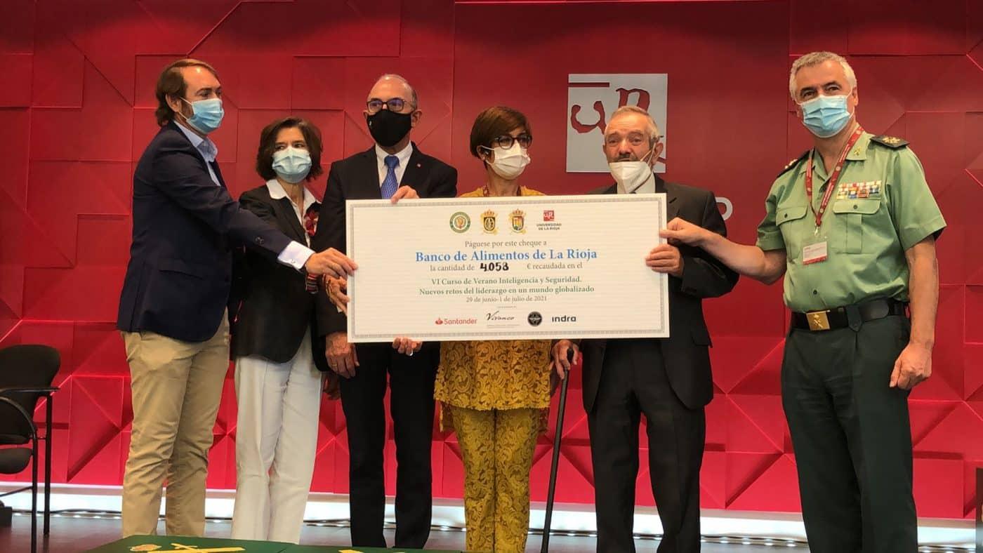El Curso de Verano Inteligencia y Seguridad de la Guardia Civil aporta 4.058 euros al Banco de Alimentos de La Rioja 2