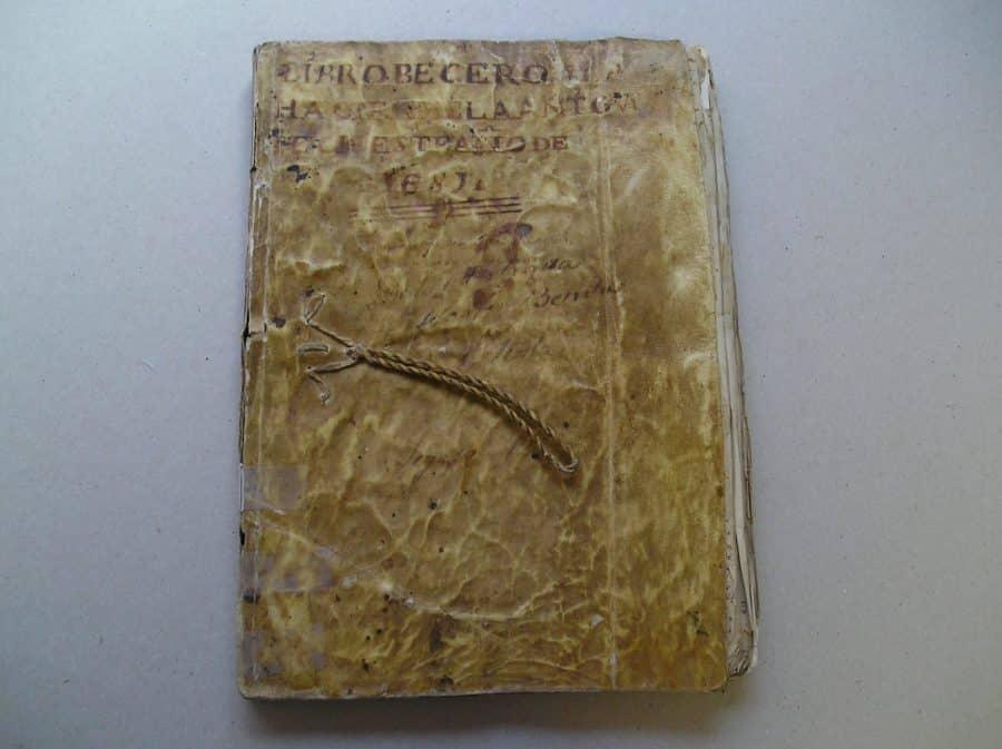 El IER termina la restauración, entre otros, de documentos históricos de Briñas, Briones y Ezcaray 3